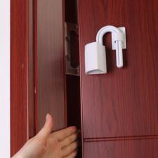 Блокиратор от прищемления пальцев дверьми