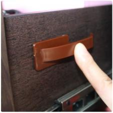 Защитный замок на боковину ящика невидимый